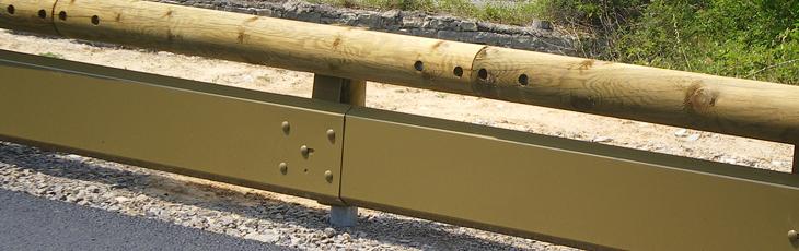 Motorcyclist Protection1 Glissière de sécurité en bois